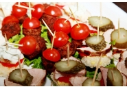 Парти хапки с пилешко и свинско месо